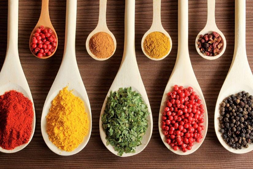 7 أعشاب طبيعية تحارب آلام التهاب المفاصل.. تعرف عليها
