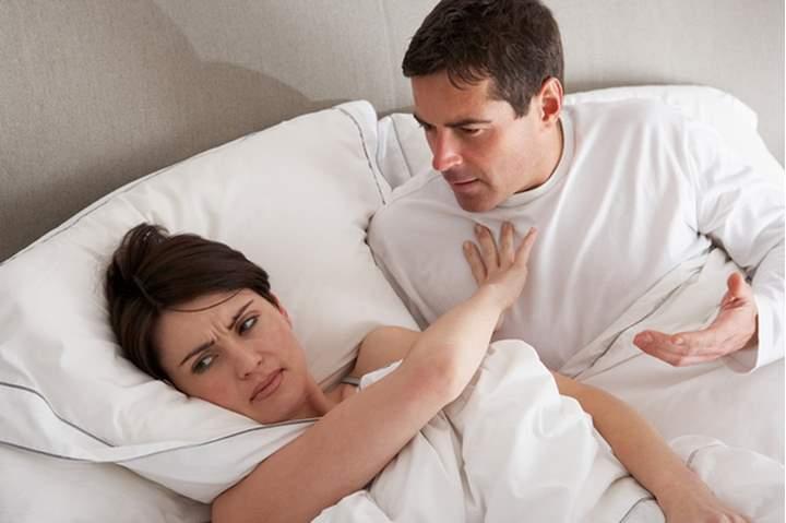 مداعبة الزوجة في نهار رمضان هل تفسد الصوم